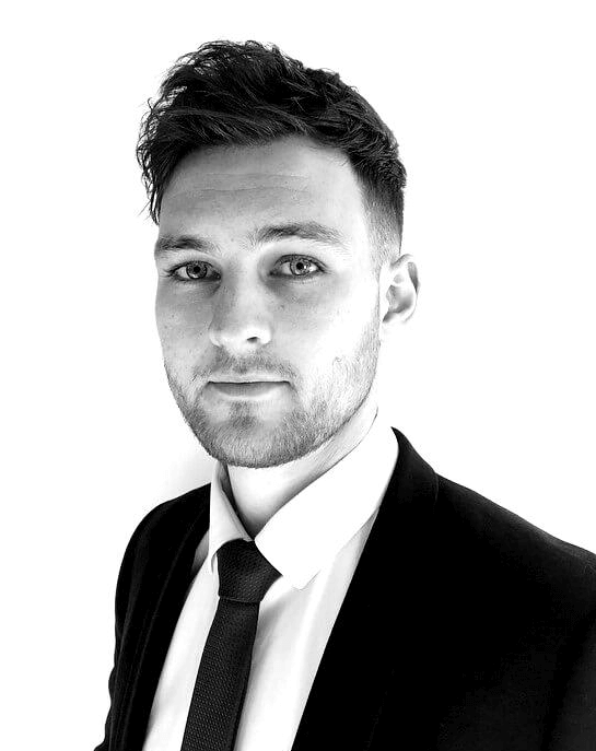 Hi, I'm Dan McCarthy and I'd love to help with your financial advice. Book now for your free consultation.